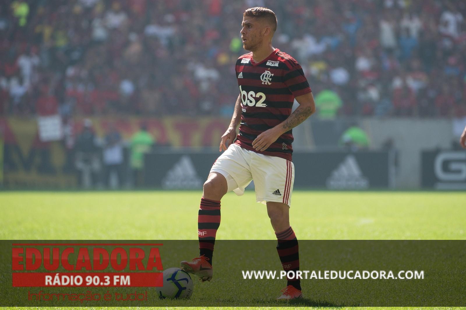 Tudo às claras: Flamengo acena readequação salarial, e Cuéllar mantém paciência na janela