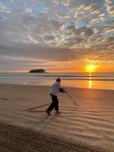 Dona Ursula normalmente sai para o exercício diário entre 7h e 8h (Foto: Beto Moretão, Divulgação)